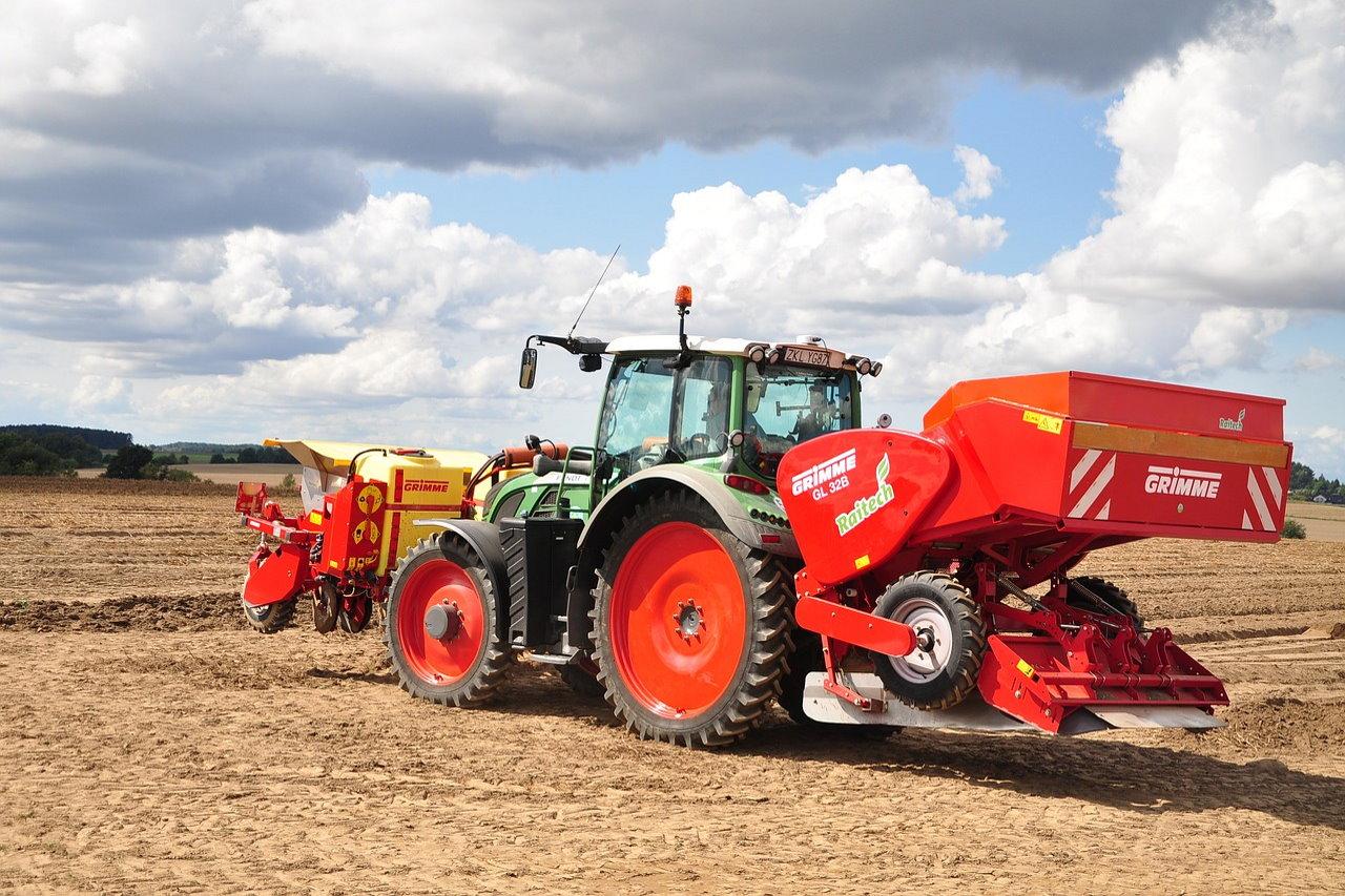 Filtry w maszynach rolniczych – rodzaje oraz eksploatacja